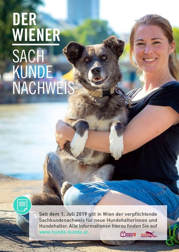 Poster zum Sachkundenachweis, auf dem Frau mit großem Hund im Arm vor der Kamera posiert, im Hintergrund ist der Donaukanal zu s