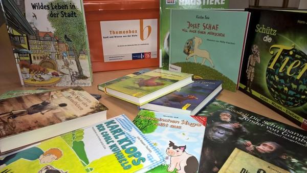 Bücher aus der Themenbox Tierschutz der Büchereien Wien